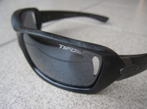 A Christmas gift from the trail yesterday: a new pair of Tifosi shades. The lenses were popped out, and there's a few scratches where someone hit the ground, but they're light and comfortable (and retail for $49.99!).