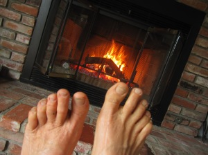 After two hours on the trail yesterday (at 52 (F), my toes were happy to toast by the fire.
