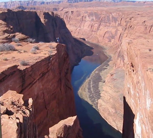 tiny person at horseshoe bend