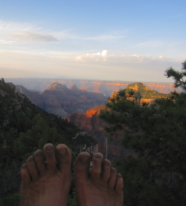 bare toes and grand canyon.JPG
